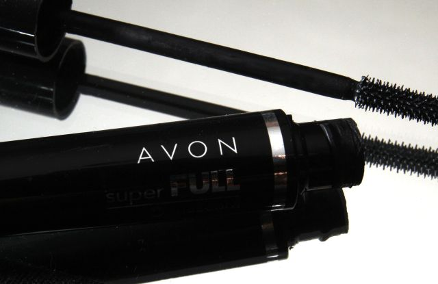 A container and brush of Super Full mascara by Avon sits on display in North Andover, Mass. Direct beauty products seller Avon Products said its third-quarter net income fell 81 percent, hurt by the stronger dollar and an impairment charge. The company also slashed its dividendEarns Avon, North Andover, USA