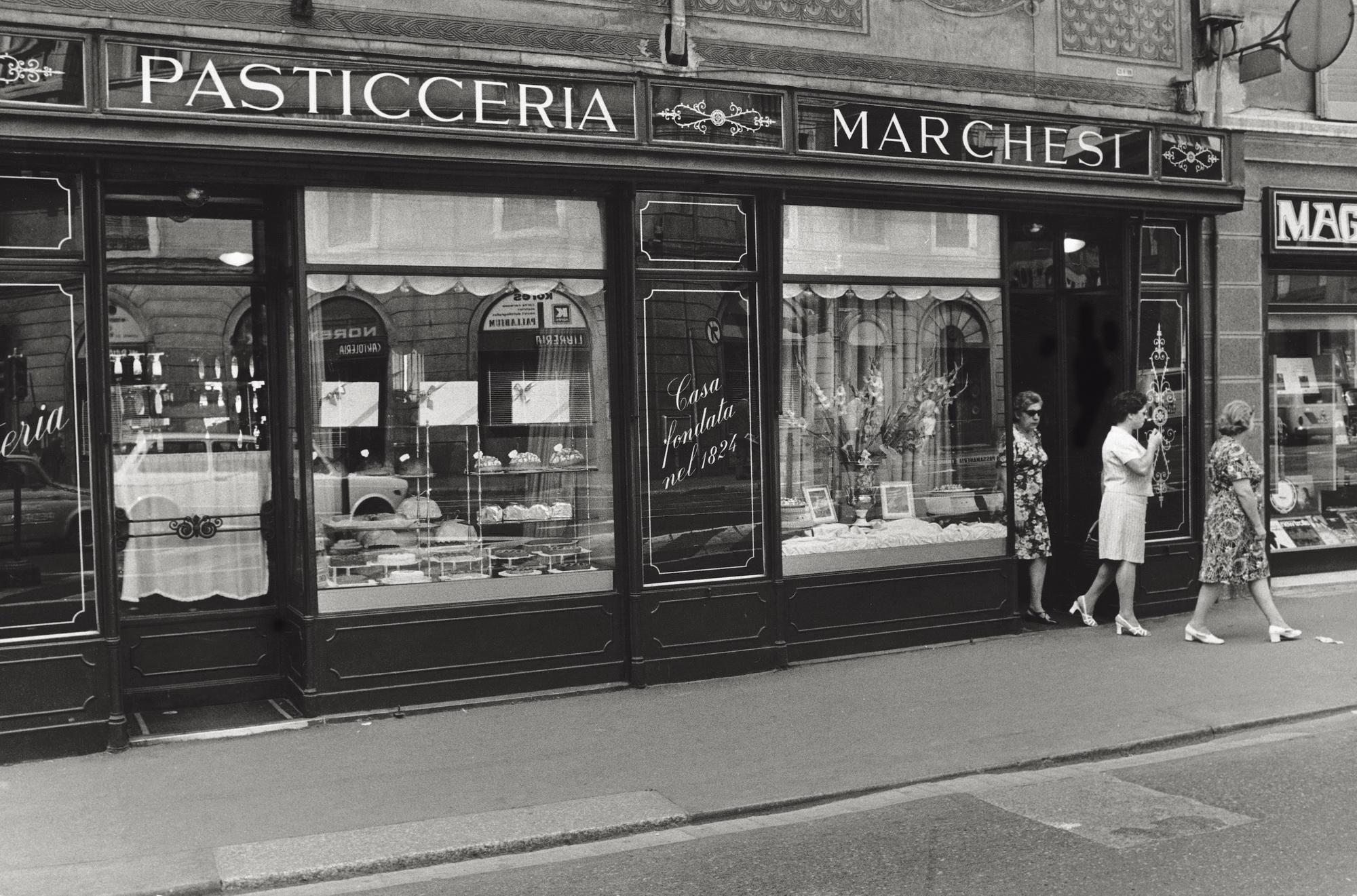 Three Italian women coming out from the Marchesi pastry shop in Via Santa Maria alla Porta. Milan, September 1971 (Photo by Gualtiero Raffagli/Mondadori Portfolio via Getty Images)