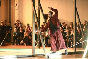 Homme Plissé Issey Miyake's balancing act