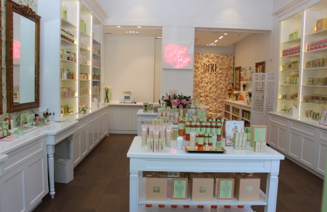 Pixi's new store in Los Angeles.