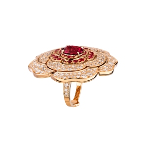 Chanel's rouge tentation ring