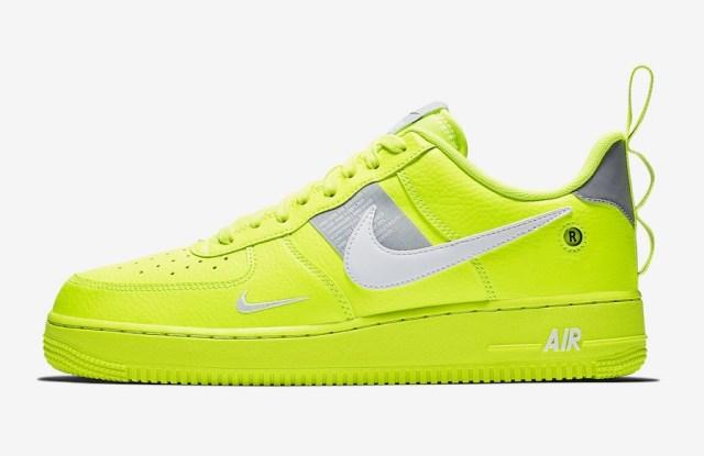 Nike Air Force 1 '07 LV8 Utility Volt.