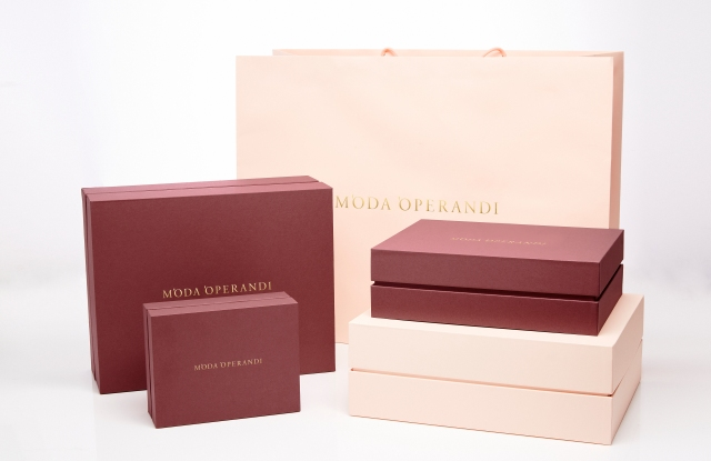 Moda Operandi packaging