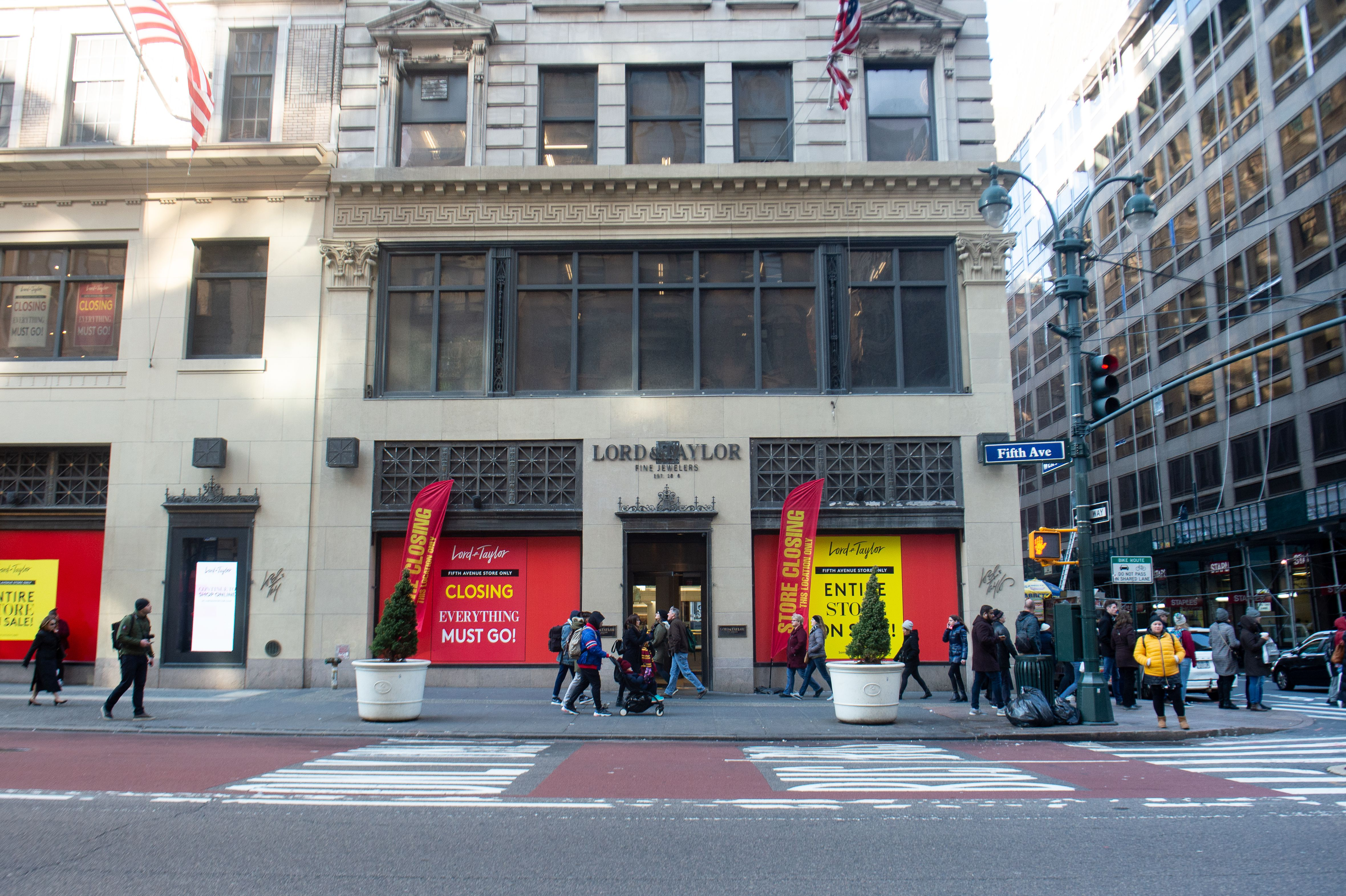 The Lord & Taylor 5th Ave store closing.