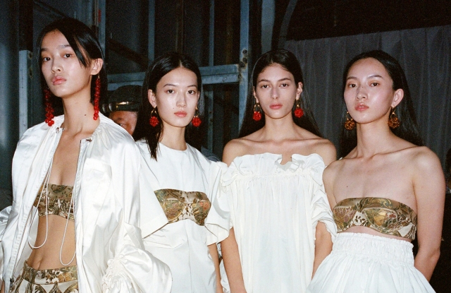 Ming Ma spring 2019 collection at Shanghai Fashion Week