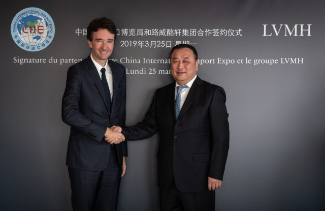 Antoine Arnault of LVMH and Sun Shanghai of CIIE