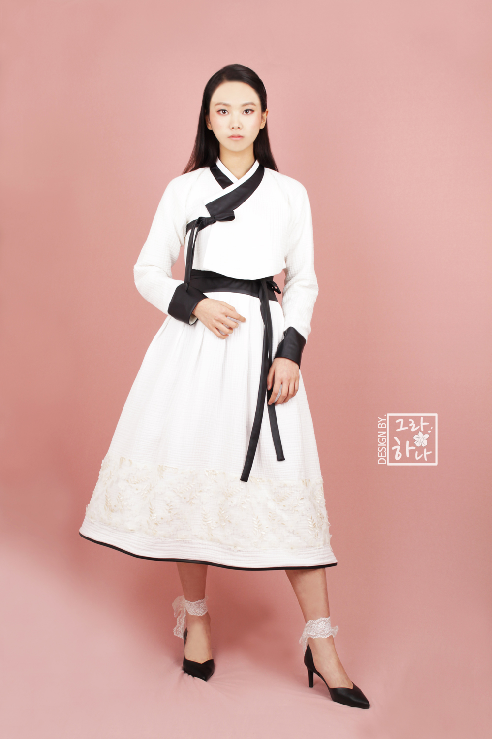 Korean fashion designer Hyunsook Park adds a modern twist to the traditional Korean wedding dress. Her ready-to-wear designs can be worn anywhere.