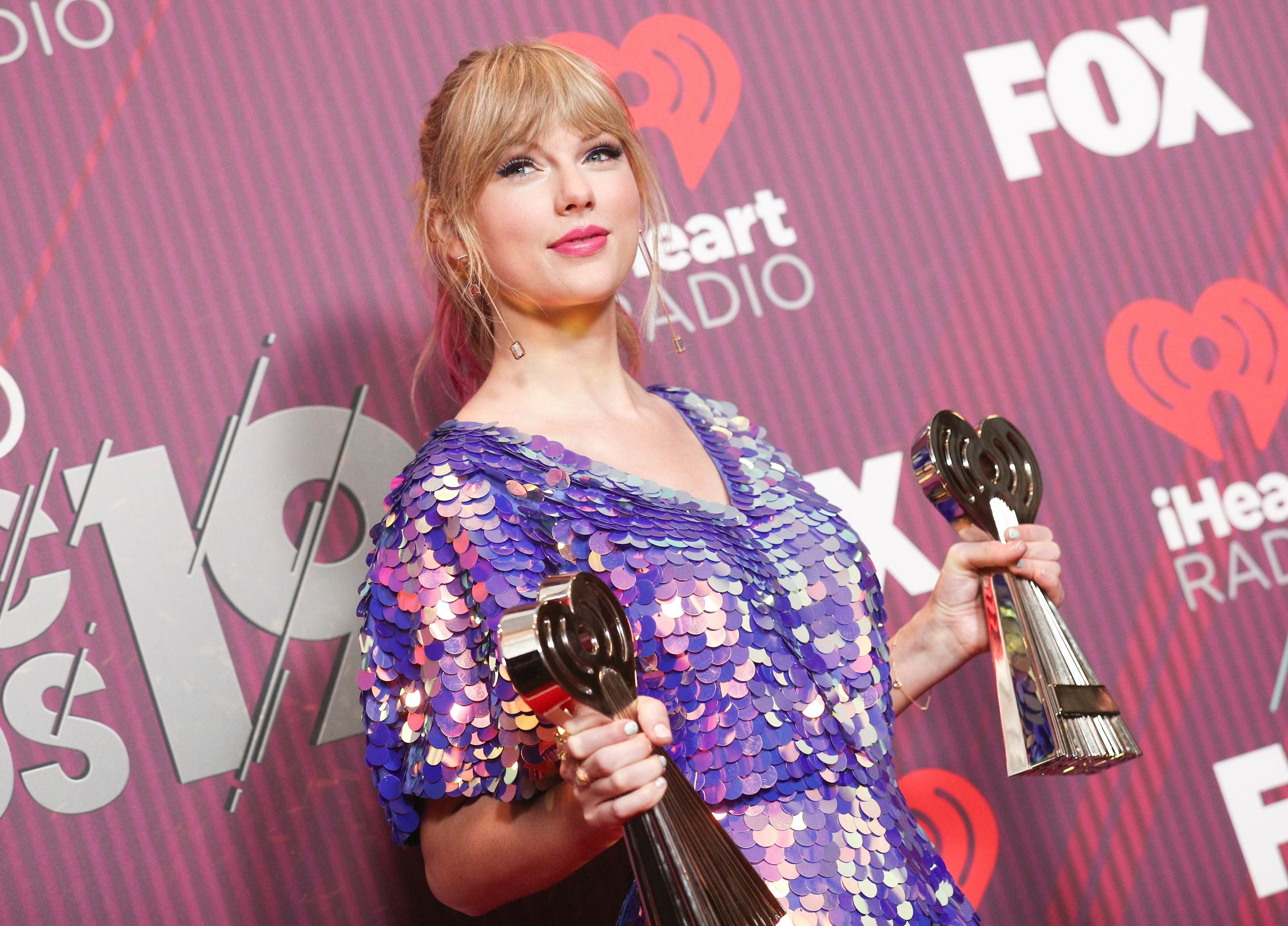 Taylor Swift To Receive Artist Of The Decade Award At 2019 Amas Wwd