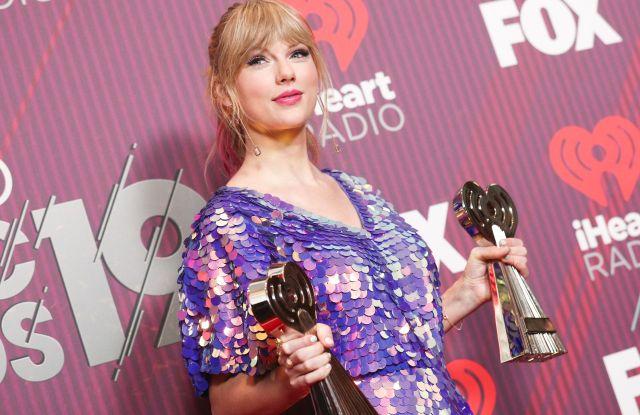 2019 Iheartradio Music Awards Photos Taylor Swift Ariana Grande Wwd