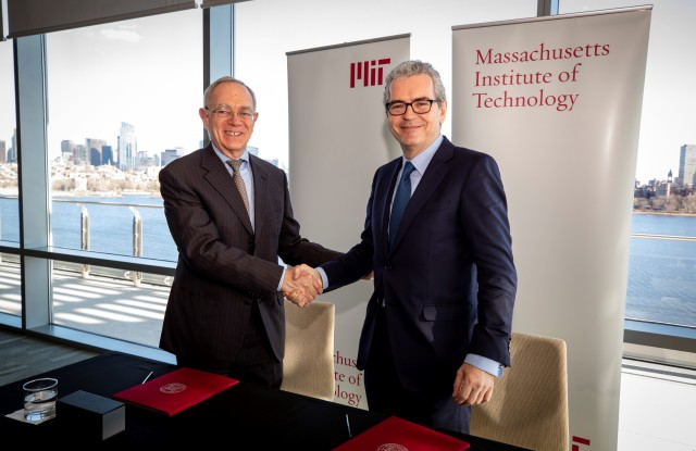 Pablo Isla, chairman and chief executive officer of Inditex, right, and Rafael Reif of MIT, left.