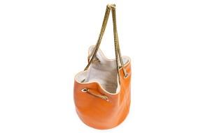 Reversible leather bucket bags by Lastelier