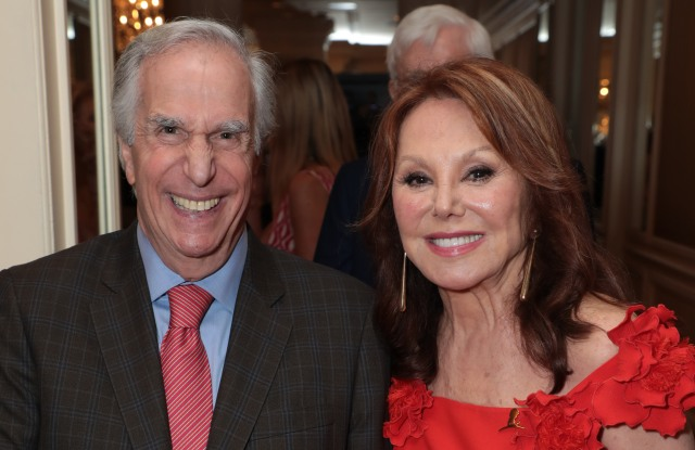 Henry Winkler and honoree Marlo Thomas smile as The Colleagues host their 31st annual Spring Luncheon and Oscar de la Renta fashion presentation at the Beverly Wilshire Hotel on Tuesday, April 9, 2019 in Beverly Hills, CA (photo: Alex J. Berliner/ABImages)