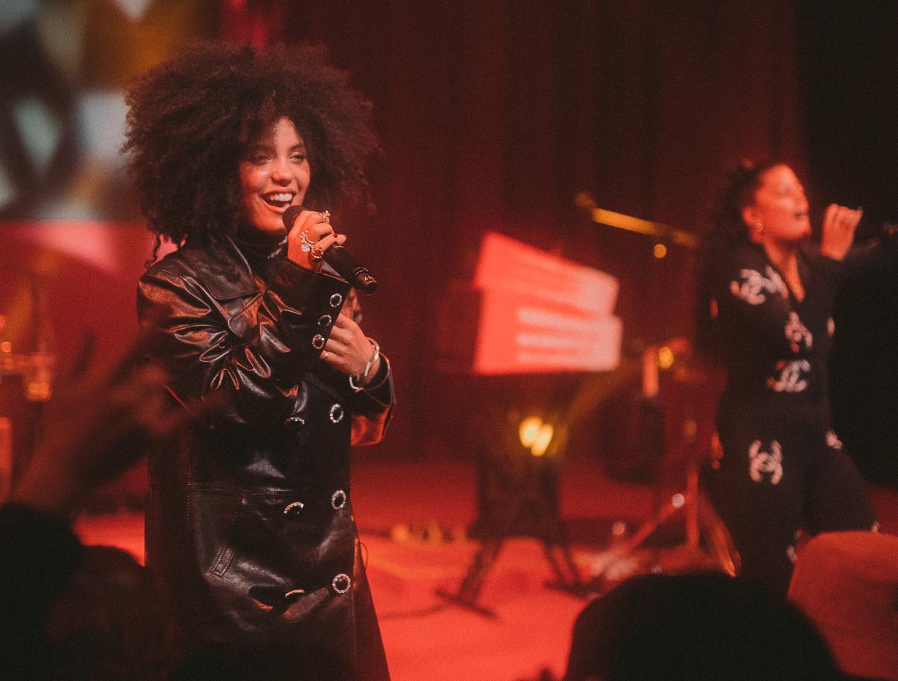 Singing sister duo Ibeyi.