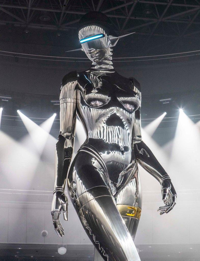 The Hajime Sorayama robot.