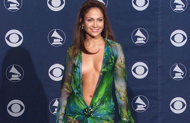 Jennifer Lopez 42ND GRAMMY AWARDS AT THE STAPLES CENTRE, LOS ANGELES, AMERICA - 23 FEB 2000