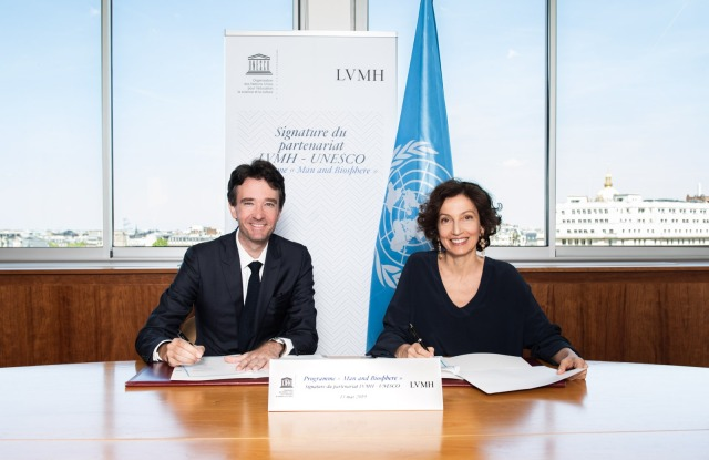Antoine Arnault and Audrey Azoulay at the signing of the five-year partnership between LVMH and UNESCO.