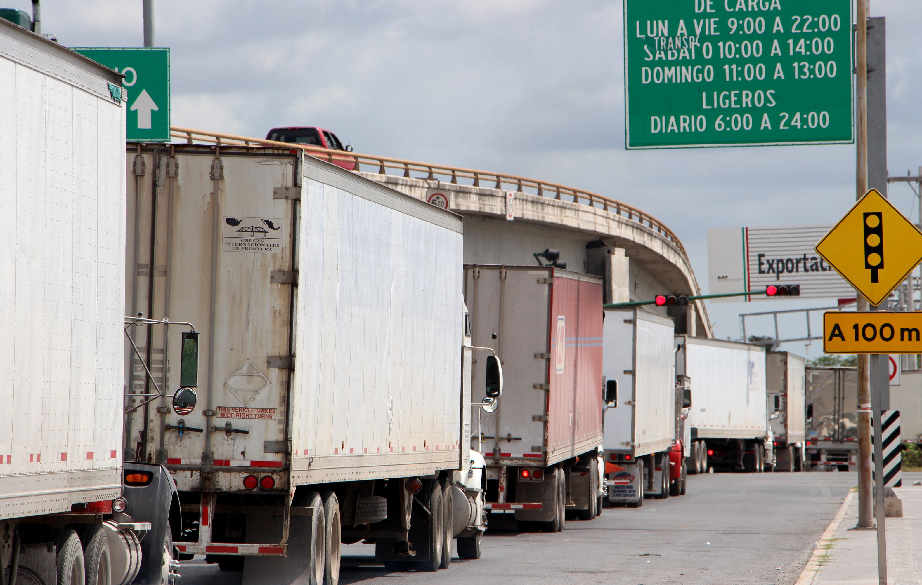 Mexican trucks that mainly transport automotive products await their turn to access the United States through the Ignacio Zaragoza International Bridge, in Matamoros, Tamaulipas, Mexico, 31 May 2019. Mexican President Andres Manuel Lopez Obrador maintained the offer of dialogue before the announcement by US President Donald J. Trump to impose taxes on all Mexican products if it does not control the migratory flow.Mexico maintains diplomacy with the United States despite the fear of a trade war, Matamoros - 31 May 2019