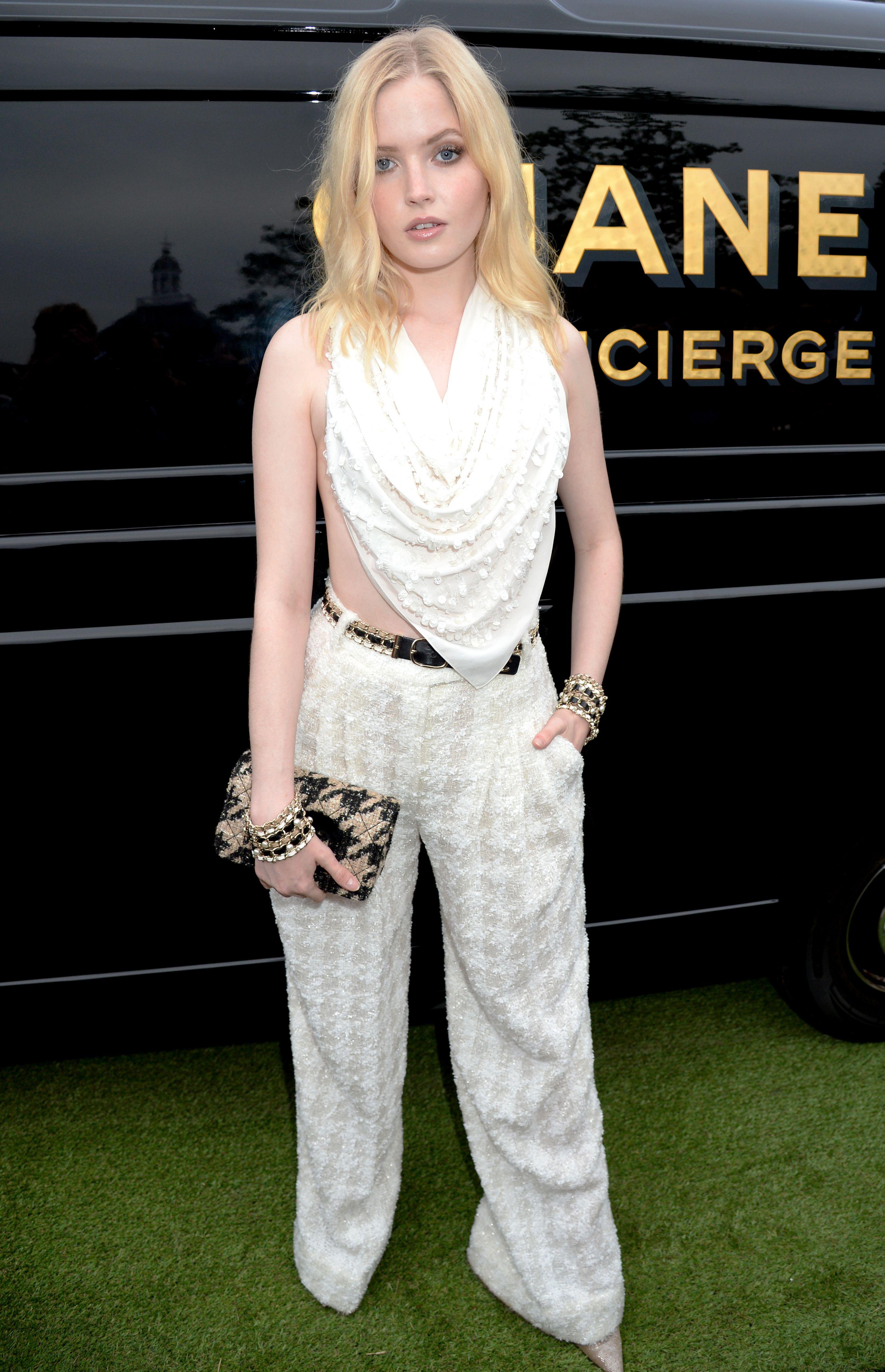 Ellie BamberSerpentine Gallery Summer Party, Kensington Gardens, London, UK - 25 Jun 2019Wearing Chanel same outfit as catwalk model *10129489dd