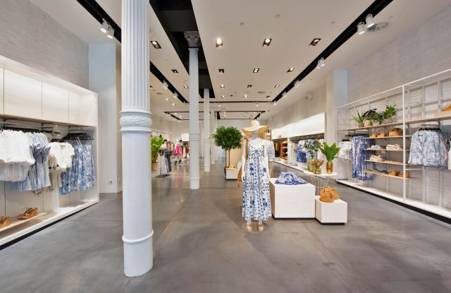 H&M reopened its SoHo store with several new features.