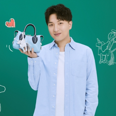 Influencer Tao Liang, or professionally known as Mr. Bags carries a Tod's Unicorn D-Styling Bag