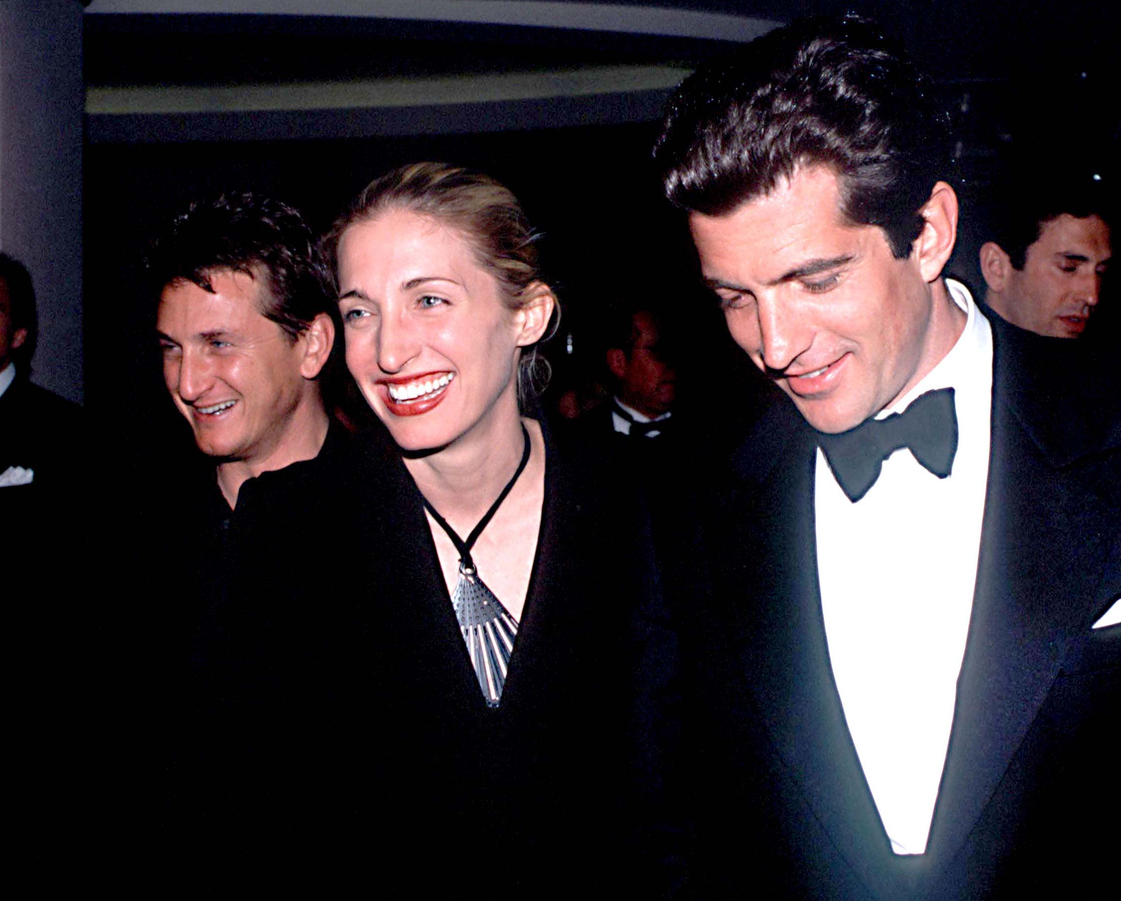 remembering style icon carolyn bessette kennedy