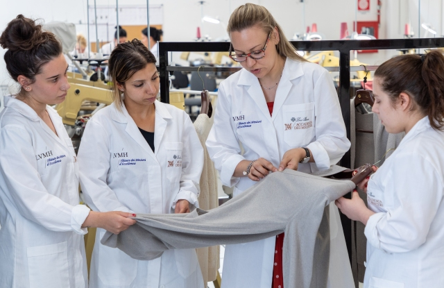 The students of the Loro Piana Knitwear métiers
