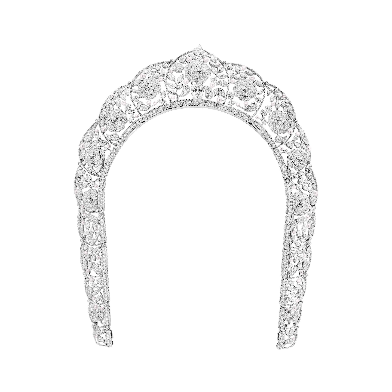 Chanel's Sarafane headpiece necklace.