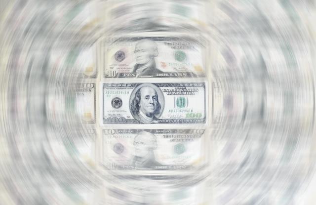 US dollar bills, 100 dollar bill, circular blurVARIOUS