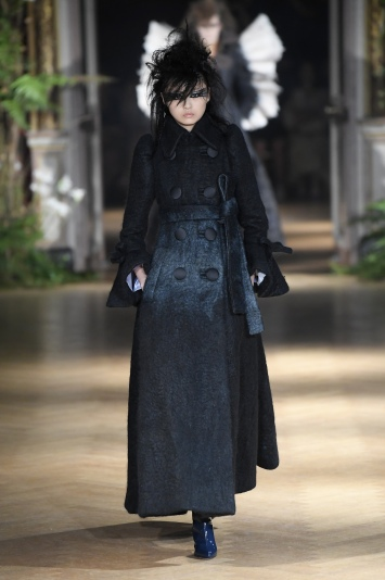 Viktor & Rolf Couture Fall 2019