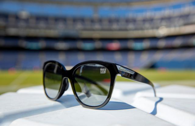 Oakley Low Key sunglasses, New York Giants