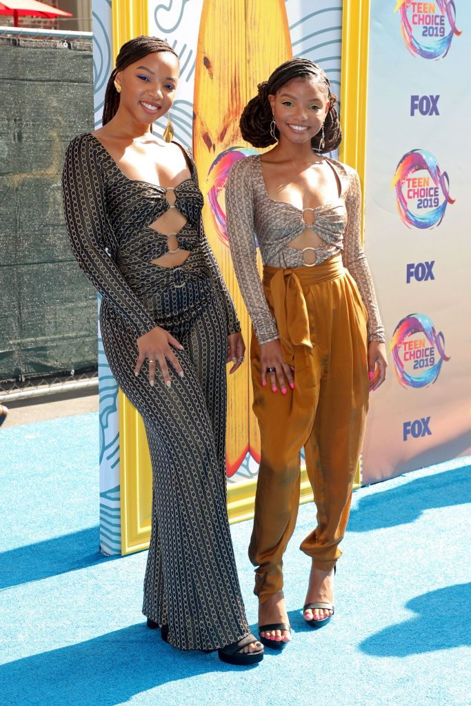 Chloe Bailey and Halle BaileyTeen Choice Awards, Arrivals, Los Angeles, USA - 11 Aug 2019Chloe Wearing Jonathan Simkhai Halle Wearing Jonathan Simkhai, Top Wearing Zimmermann, Trousers, Shoes by Aldo