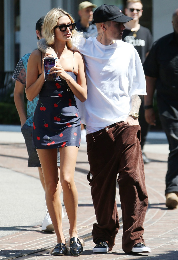 Hailey Bieber and Justin BieberJustin Bieber and Hailey Bieber out and about, Los Angeles, USA - 11 Aug 2019
