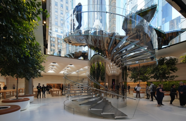 The cantilevered staircase at Apple's Fifth Avenue flagship.