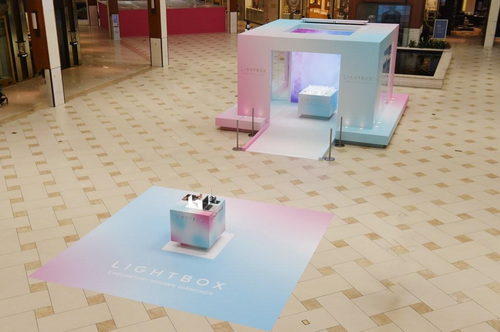 The Lightbox Jewelry pop up at Aventura Mall.