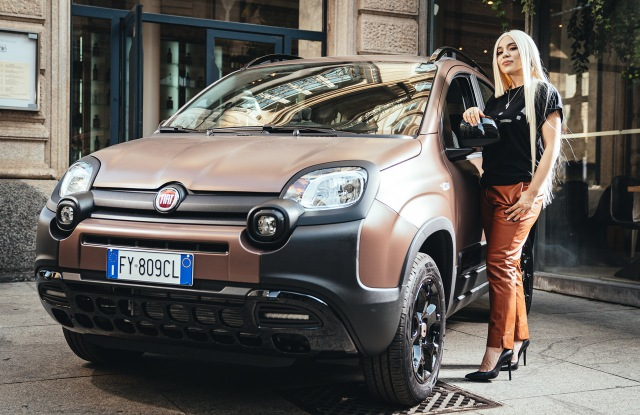 Ava Max with the Panda Trussardi car.