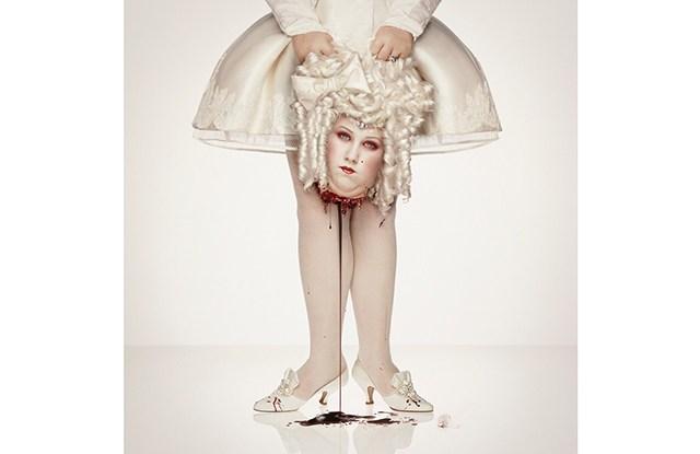 Erwin Olaf, Royal Blood Marie Antoinette † 1793, 2000.