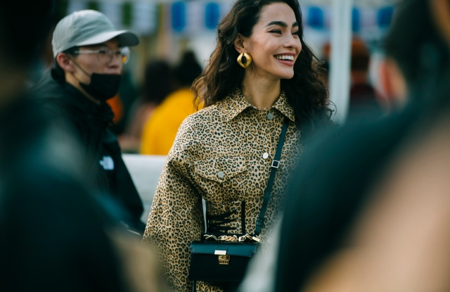 A street style look from Seoul Fashion Week Spring 2020.