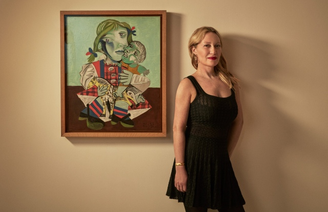 Diana Widmaier-Picasso next to Maya à la poupée et au cheval