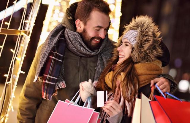 consumers, holiday, shopping