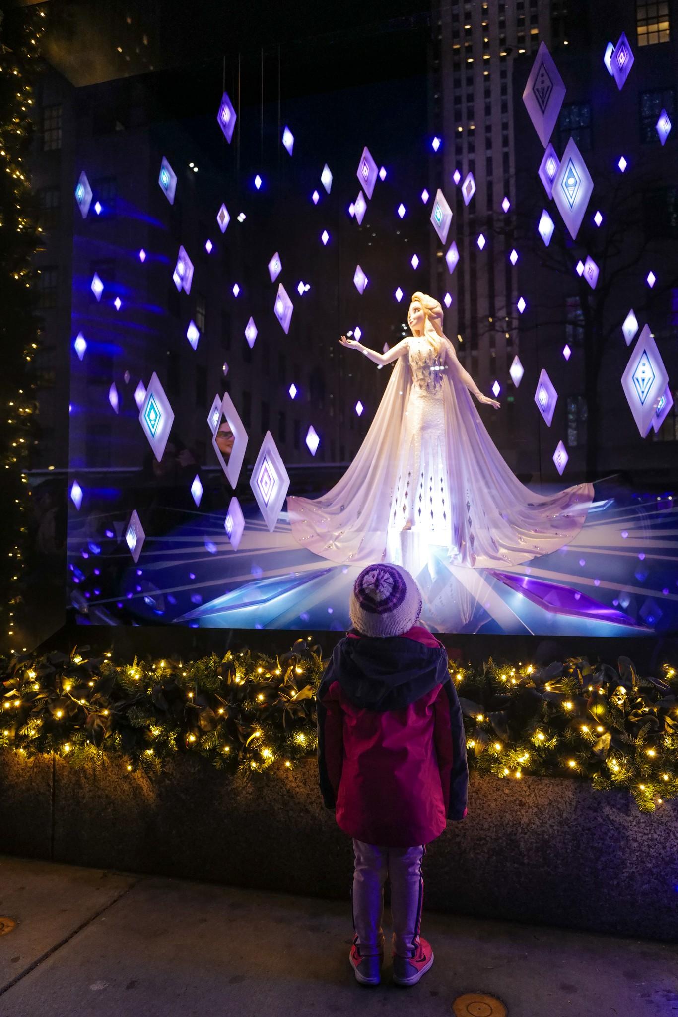 Fifth Avenue Christmas Windows 2020 Saks Fifth Avenue Debuts 'Frozen 2' Themed Holiday Windows [PHOTOS