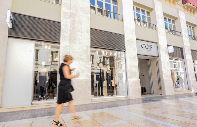 COS Store