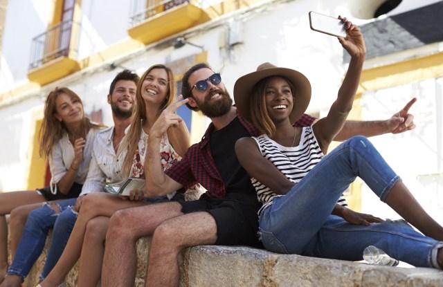 Millennials selfie