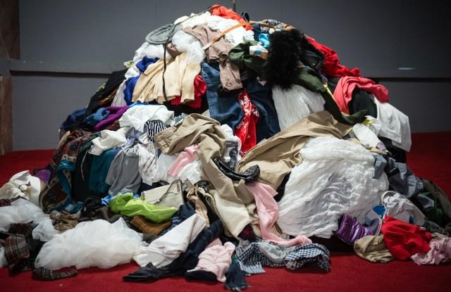 clothing waste, footprint, sustainability
