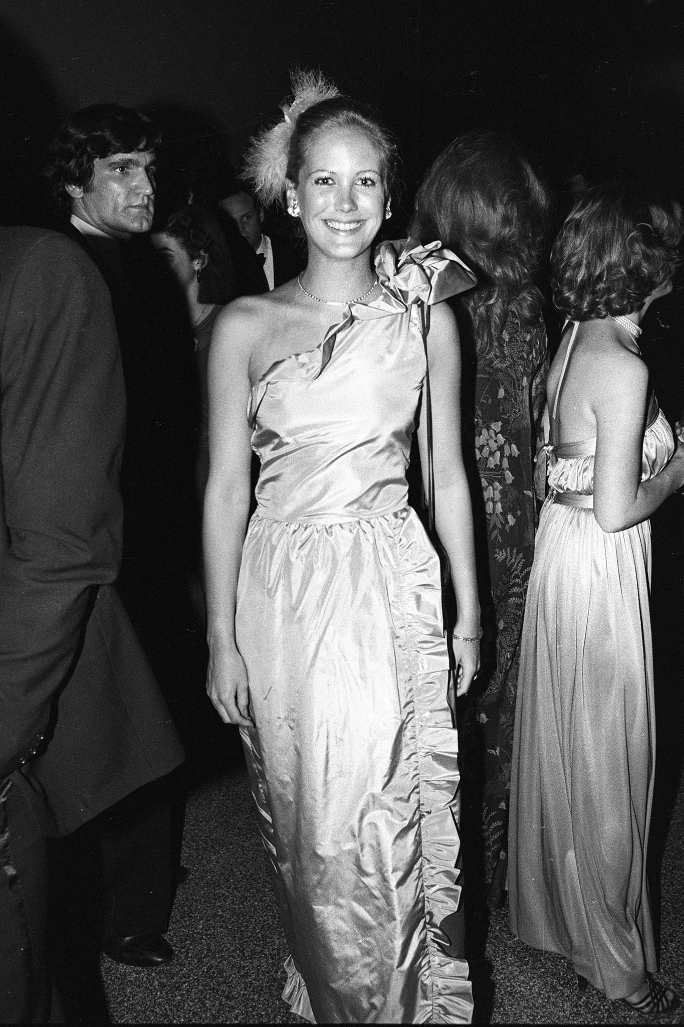 Nina Griscom attends the Metropolitan Museum of Art's joint 100th year birthday party/gala benefit to help wipe out its operating deficit, 1980.