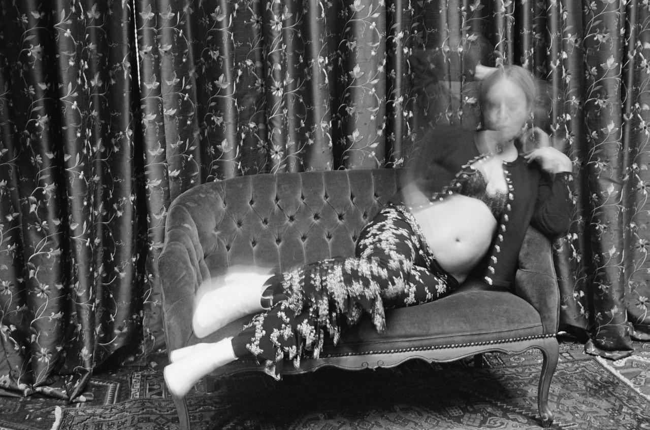 """Chloe Sevigny wearing Agnès B. in """"Chloë (...des photographes...des artistes et le cardigan pression),"""" 2020 © Jim Jarmusch"""