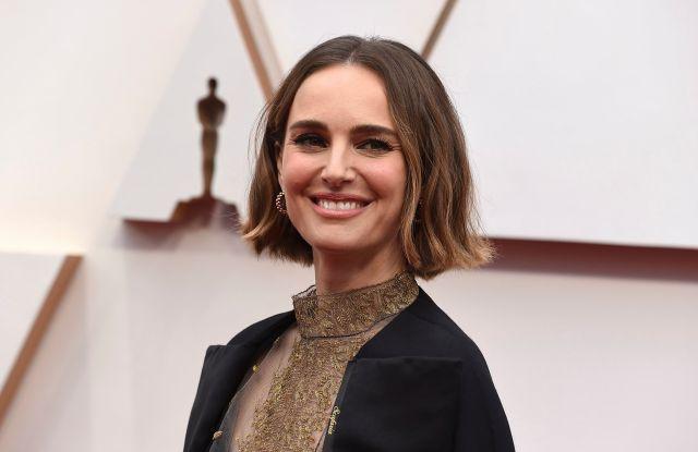 2020 Oscars Red Carpet: Natalie Portman's Hidden Message