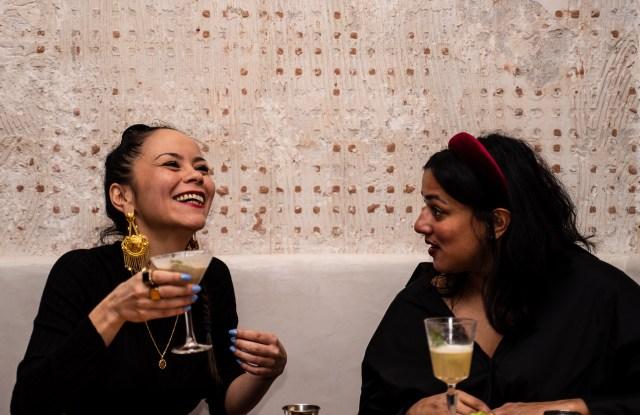 Dirty Lemon cocktail bar in Paris