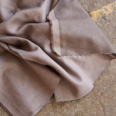Fabric by Chia Her, made with 55% cotton, 43% Tencel Lyocell and 2% Elastane.