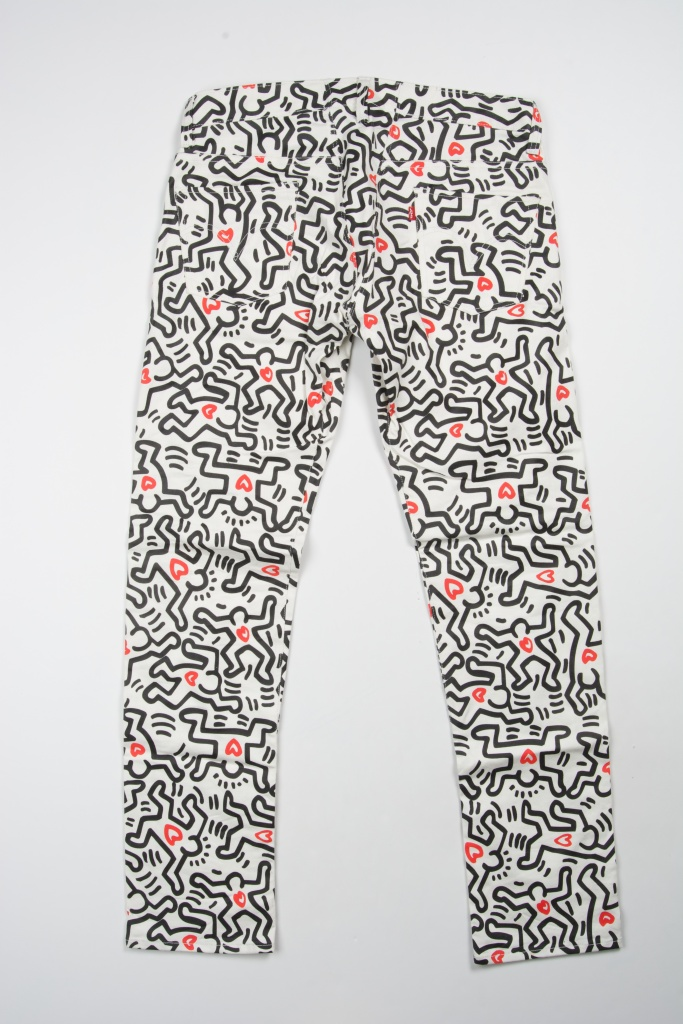 Keith Haring Macy's Passport Event Sept 17 and 18 2008 HIV/AIDS benefit customized 501 white jeans dancing figure with red hearts print (3 pairs)