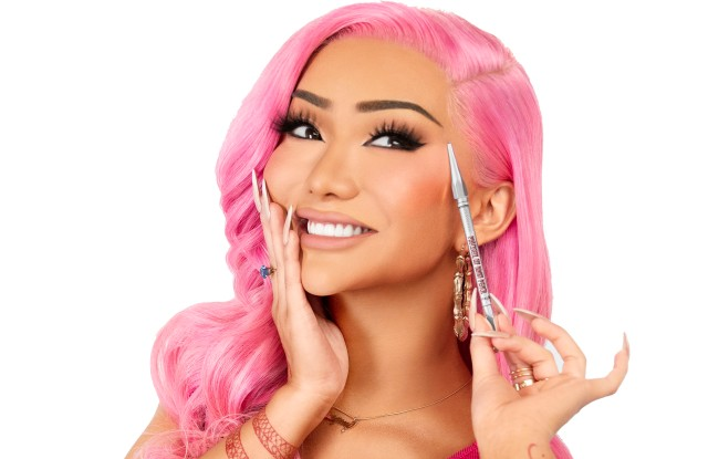 Nikita Dragun Benefit Love Archually